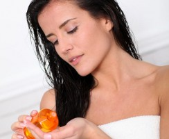 All you have to know about Oil Hair Treatment (FAQ)